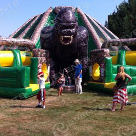 Inflatable challenge course