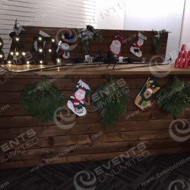 A tacky winter cabin themed bar!